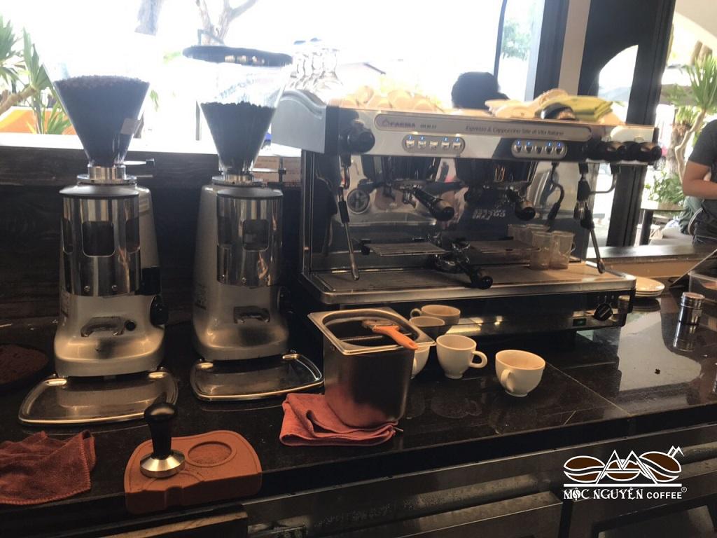 Chọn mua Máy pha cà phê cho quán