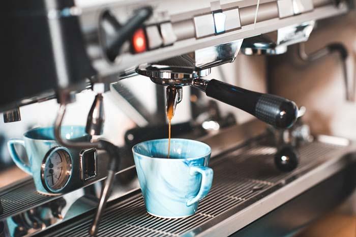 máy pha cà phê hiện đại