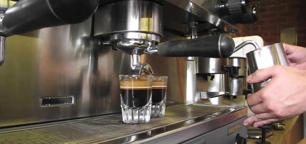Hướng dẫn cách pha chế Cafe Pha Máy