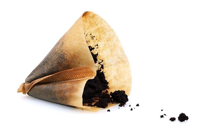 bã cà phê đắp mặt